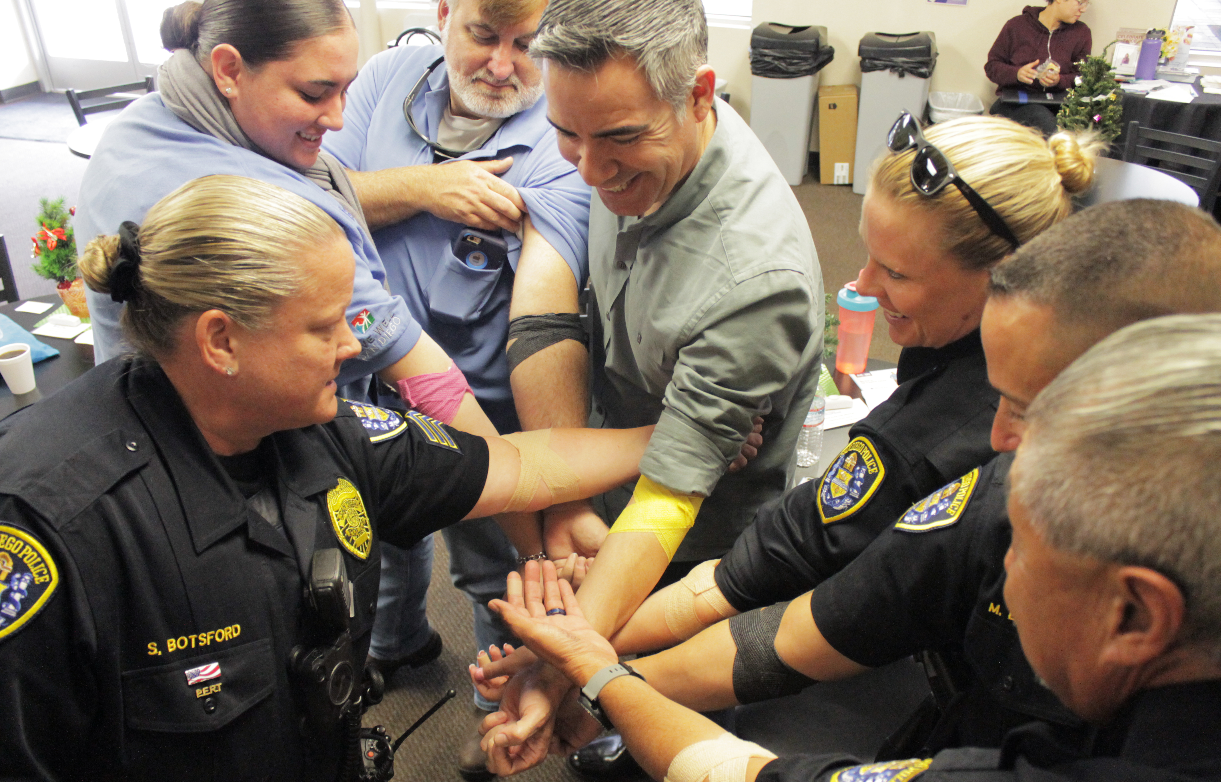SDPD Stepping up to donate blood